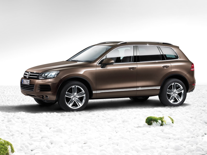This heavenly machine vw touareg arrives in an assortment of motor alternatives either the half and half form or the